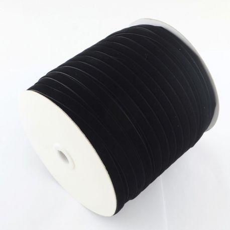 Vienpusė velvetinė juostelė, juodos spalvos 6 mm, 1 metras