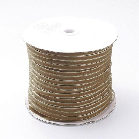 Vienpusė velvetinė juostelė skirta rankdarbiams, suvenyrams papuošalams gaminti. Rusvos spalvos, kaina - 0,25 Eur už 1 metras