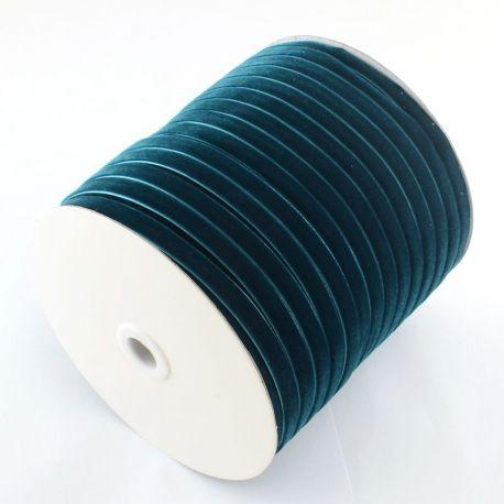 Vienpusė velvetinė juostelė skirta rankdarbiams, suvenyrams papuošalams gaminti. Tamsiai elektrinės (melsvos) spalvos, kaina - 0