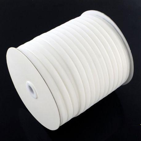 Vienpusė velvetinė juostelė skirta rankdarbiams, suvenyrams papuošalams gaminti. Baltos spalvos, kaina - 0,3 Eur už 1 metras