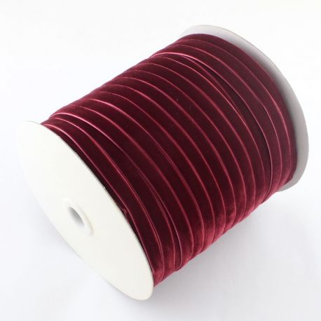 Vienpusė velvetinė juostelė, tamsiai raudonos spalvos 9 mm, 1 metras