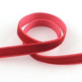Vienpusė velvetinė juostelė skirta rankdarbiams, suvenyrams papuošalams gaminti. Raudonos spalvos, kaina - 0,3 Eur už 1 metras