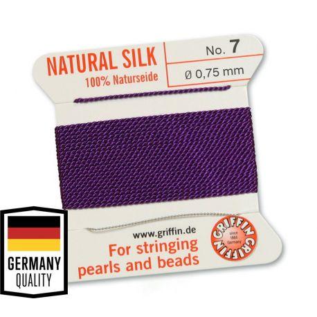 GRIFFIN šilkinis siūlas su adata . Violetinės spalvos, kaina - 1,5 Eur už 2 m.