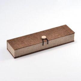 Tvirta, daili medinė dovanų dėžutė vėriniui, laikrodžiui šviesiai rudos spalvos, dydis 242x65 mm, 1 vnt.