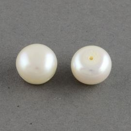 Class A semi-drilled freshwater pearls . Warm white, semi-round shape, price - 4,01 Eur for 1 pair