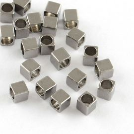 Nerūdijančio plieno 304 intarpas, 2,5x2,5x2,5 mm., 10 vnt. 1 maišelis