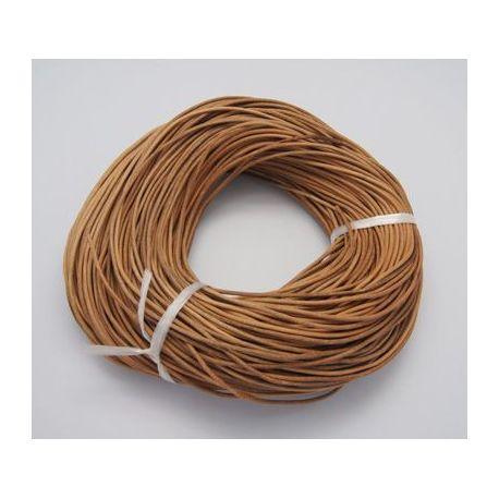 Natūralios odos virvutė turi specifinį kvapą - odos. Šviesiai rudos spalvos, apvali, kaina - 0,61 Eur už 1 m.