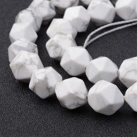 Natūralūs Houlito karoliukai. Baltos spalvos su pilkos spalvos intarpais dydis 10x12 mm