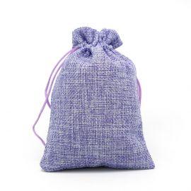 Drobinis dovanų maišelis skirtas supakuoti suvenyrams papuošalams, smulkmenoms. Alyvinės spalvos, kaina - 0,95 Eur už 1 vnt.
