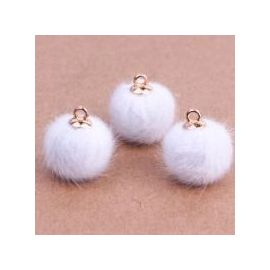 Fur bumblebees. White size 18x16 mm