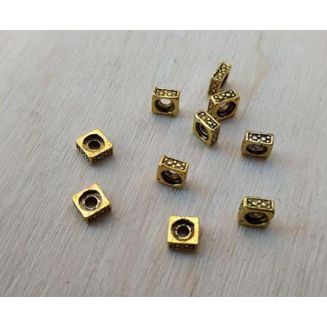 Intarpas. Sendintos aukso spalvos dydis 5x5x2 mm rankdarbiams