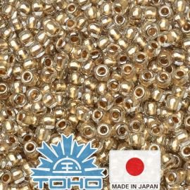 TOHO® Biseris Gold-Lined Crystal 11/0 (2,2 mm) 10 g.