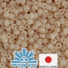 TOHO® Biseris Ceylon Frosted Lt Ivory 11/0 (2,2 mm) 10 g.