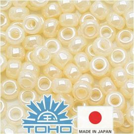TOHO® Biseris Ceylon Lt Ivory TR-11-147 11/0 (2,2 mm) 10 g.