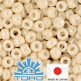 TOHO® Biseris Opaque-Lustered Lt Beige TR-11-123 11/0 (2,2 mm) 10 g.