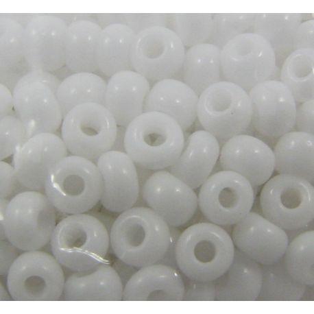 Čekiškas biseris 8/0 (2,9 mm) dydžio, 03050 baltos spalvos, apvalios formos 50g