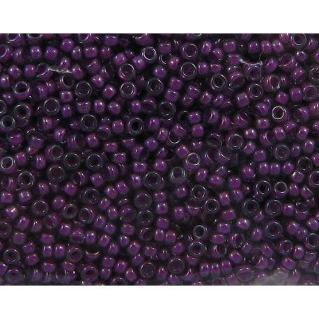 Japoniškas biseris 15/0 dydžio (2244), skaidrūs, viduriukas tamsiai rožinės spalvos, (Rocailles) apvalios formos 5g