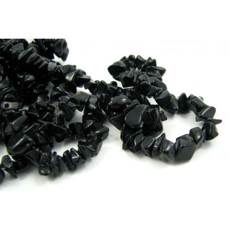 Natūralūs agato akmeniniai karoliukai, skalda 4-7mm. juodos spalvos, 90cm ilgio