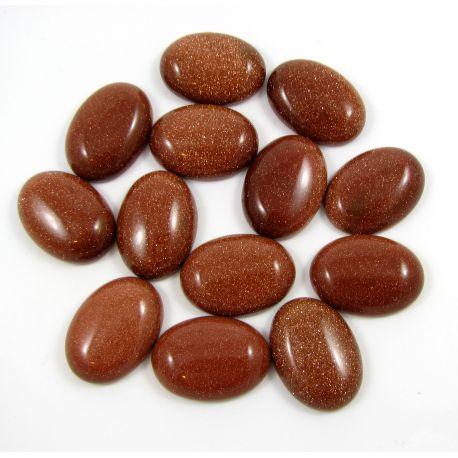 Saulės akmens kabošonas, rudos spalvos, paviršius blizgus, ovalo formos, dydis 25x18 mm