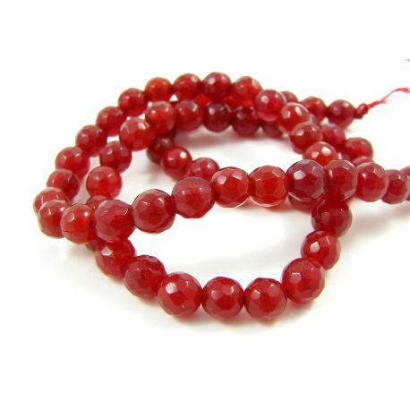 Nefrito akmeninių karoliukų gija, ryškiai raudonos spalvos briaunuoti , 128 briaunos, apvalios formos 6 mm