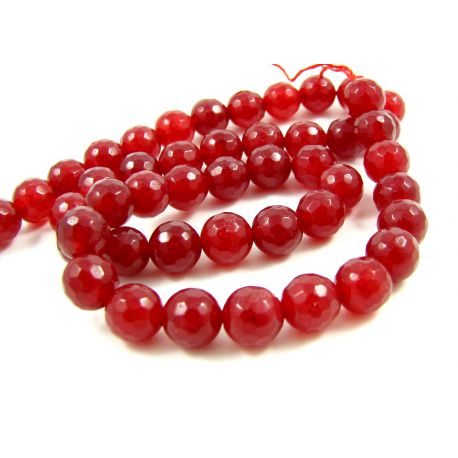 Nefrito akmeninių karoliukų gija, ryškiai raudonos spalvos briaunuoti , 128 briaunos, apvalios formos 8 mm