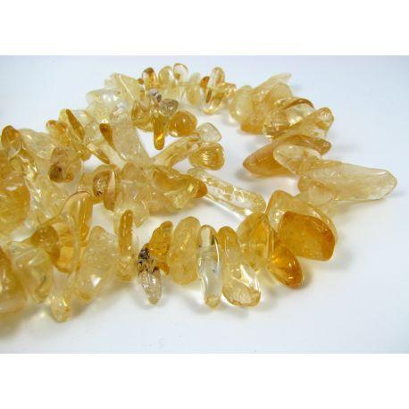 Natūralaus citrino stambios skaldos gija, aukso spalvos, 15-24 mm. 40 cm ilgio