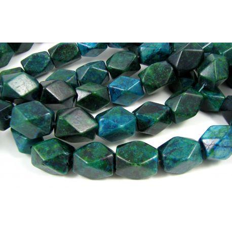 Azurito chrizokolos karoliukai, tamsiai žalios spalvos, margi, stačiakampio formos, briaunuoti,18x13 mm