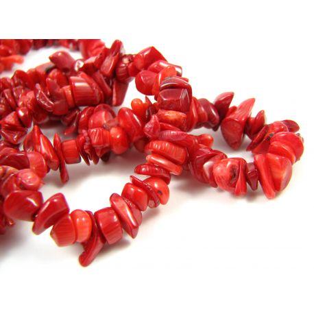 Natūralaus koralo skaldos karoliukai, ryškiai raudonos spalvos 15x12 mm, ilgis 90 cm