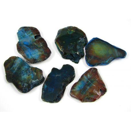 Agato karoliukai-pakabukai, mėlynai žalios spalvos, netaisyklingos formos, horizontalaus vėrimo, skylutė viršuje, dydis 66x28 mm
