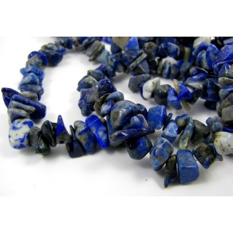 Natūralaus Lapis Lazuli skaldos karoliukai, mėlynos-baltos spalvos, dydis 8x6 mm 90 cm