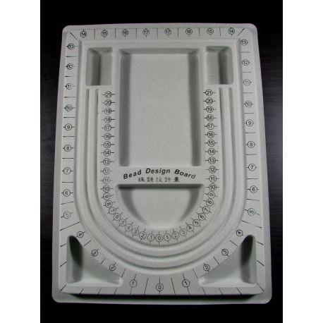 Didelė lentelė skirta modeliuoti verinius, apyrankes bei kitus papuošalus, dengta velvetu, 330x240 mm