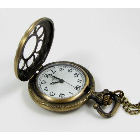 Mechaninis kišeninis laikrodis su elementu, sendintos bronzinės spalvos su grandinėle, apie 49x37 mm dydis
