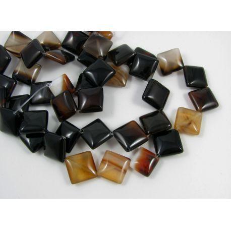 Agato karoliukai, tamsiai rudos- gelsvos spalvos, margi, rombo formos, dydis 20x20 mm