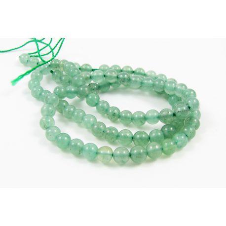 Aventurino karoliukų gija, šviesiai žalios spalvos, apvalios formos 4 mm. Tinka vėriniams verti.