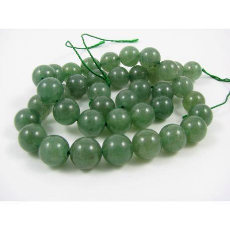 Aventurino karoliukų gija, šviesiai žalios spalvos, apvalios formos 10 mm. Tinka vėriniams verti.
