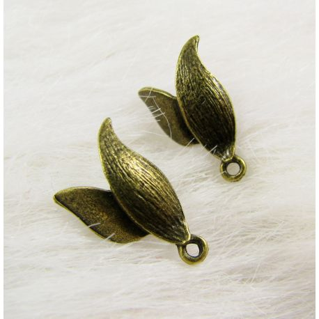 Kabliukai skirti auskarų gamybai, su viena kilpute, sendintos bronzinės spalvos, dydis 14x11x4 mm 1 pora