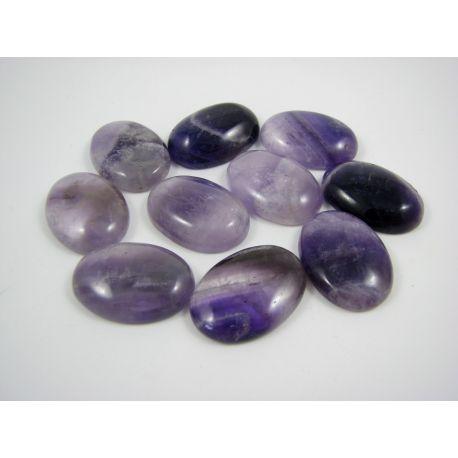 Ametisto kabošonas, violetinės spalvos, ovalo formos, dydis 28x18 mm