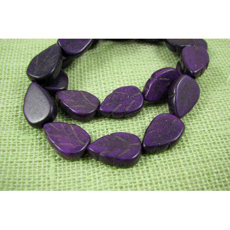 Sintetinio turkio karoliukai, violetinės spalvos, lapo formos, dydis 14x9 mm
