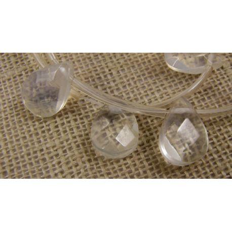 Opalito karoliukai baltos spalvos, skaidrūs, lašo formos, horizontalaus vėrimo, dydis 12x8 mm