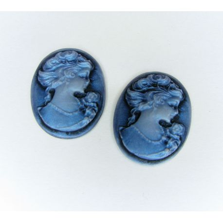 """Kamėja """"Damos portretas"""" rankdarbiams, papuošalams, mėlynos spalvos ovalo formos 25x18 mm 1 vnt"""