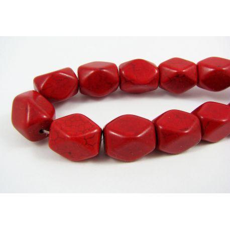Sintetinio turkio gija, sodrios raudonos spalvos, stačiamapio formos, briaunuoti, dydis 16x12 mm