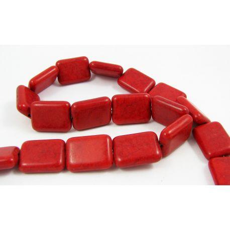 Sintetinio turkio karoliukų gija, raudonos spalvos, stačiamapio formos, dydis 20x15x5 mm
