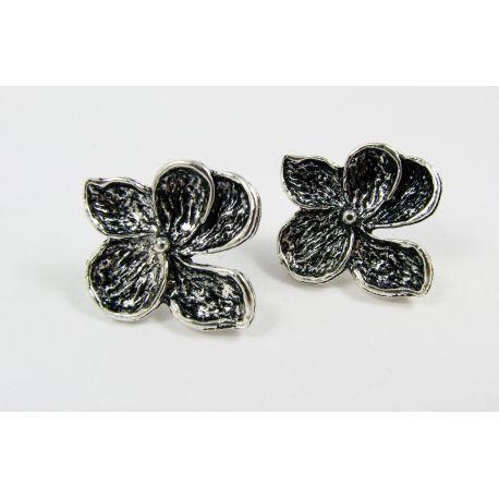 """Kabliukai auskarams """"Gėlytė"""", sendintos sidabro spalvos, dydis apie 24x22 mm 1 pora"""