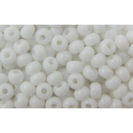 Čekiškas biseris 9/0 (2.6 mm) dydžio, 03050-9 baltos spalvos, apvalios formos 50g
