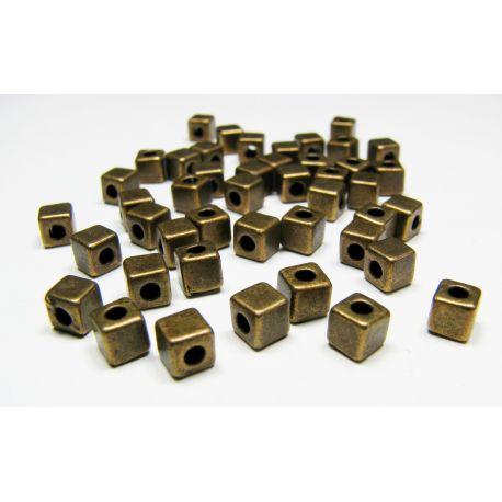Intarpas skirtas papuošalų gamybai, sendintos bronzinės spalvos, kubo formos, dydis 4x4 mm, 1 vnt