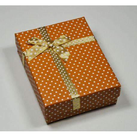 Dovanų dėžutė žiedui, sagei, pakabukui, kartoninė, šviesiai rudos spalvos su baltais taškiukais, 90x70 mm, 1 vnt.