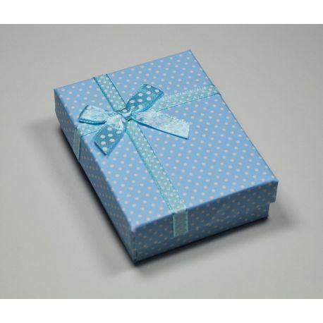 Dovanų dėžutė žiedui, sagei, pakabukui, kartoninė, šviesiai žydros spalvos su baltais taškiukais, 90x70 mm, 1 vnt.