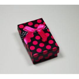 Dovanų dėžutė žiedui, sagei, pakabukui, kartoninė, juodos spalvos su rožiniais taškiukais, 80x50 mm, 1 vnt.