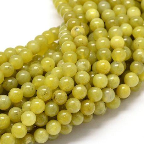 Peridoto akmens karoliukų gija, gelsvai žalios spalvos, apvalios formos, 8 mm gijoje 48 vnt.