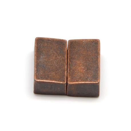Magnetinis užsegimas skirtas vėriniams, apyrankėms, papuošalams, sendintos vario spalvos, 18x16 mm, 1 vnt.